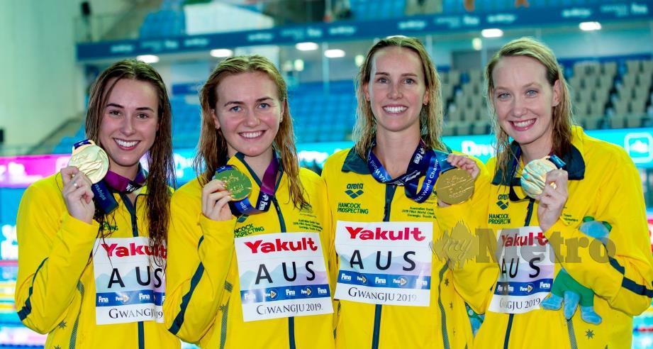 KUARTET  Australia bergambar bersama pingat emas di Gwangju. - FOTO Agensi