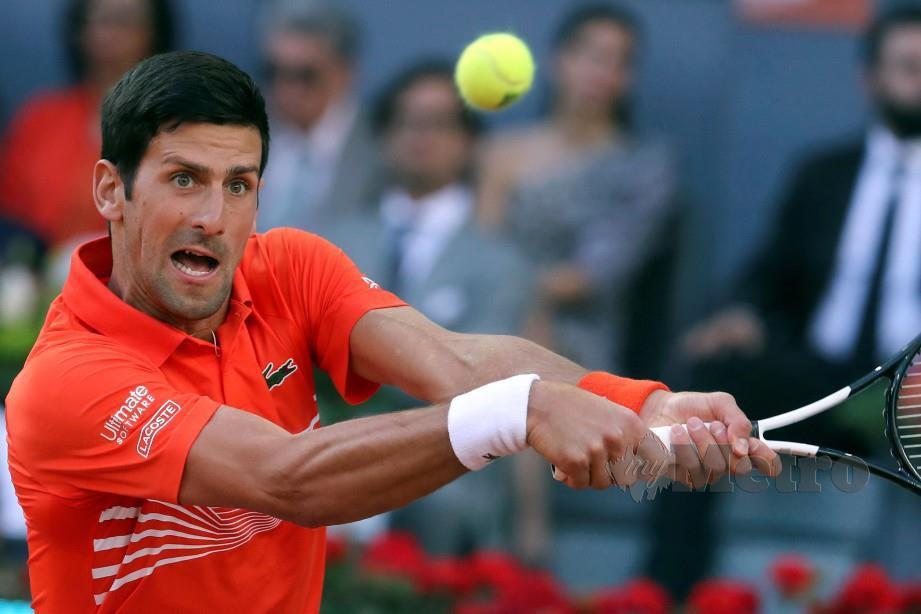 Aksi Novak Djokovic ketika menyertai Terbuka Madrid Open. FOTO EPA