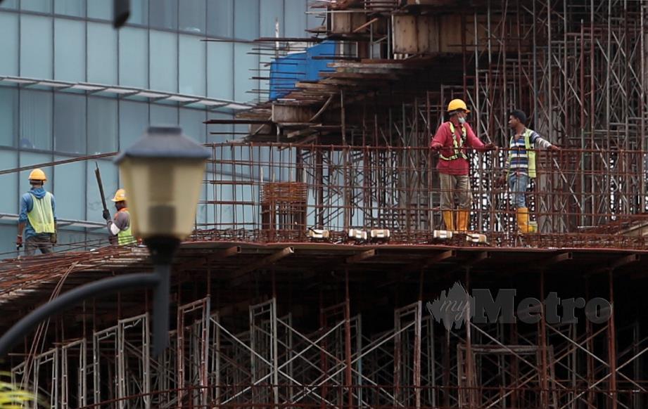 SEBANYAK 43 tapak binaan di seluruh Malaysia diperiksa Lembaga Pembangunan Industri Pembinaan Malaysia (CIDB).