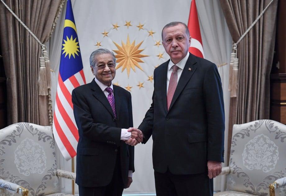 TUN Dr Mahathir bersama Erdogan sempena Lawatan Rasmi beliau ke Turki. FOTO Bernama
