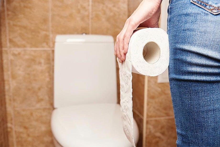 MEMBERSIHKAN alat kelamin selepas membuang air kecil dan bersama penting untuk kesihatan faraj. - FOTO Google