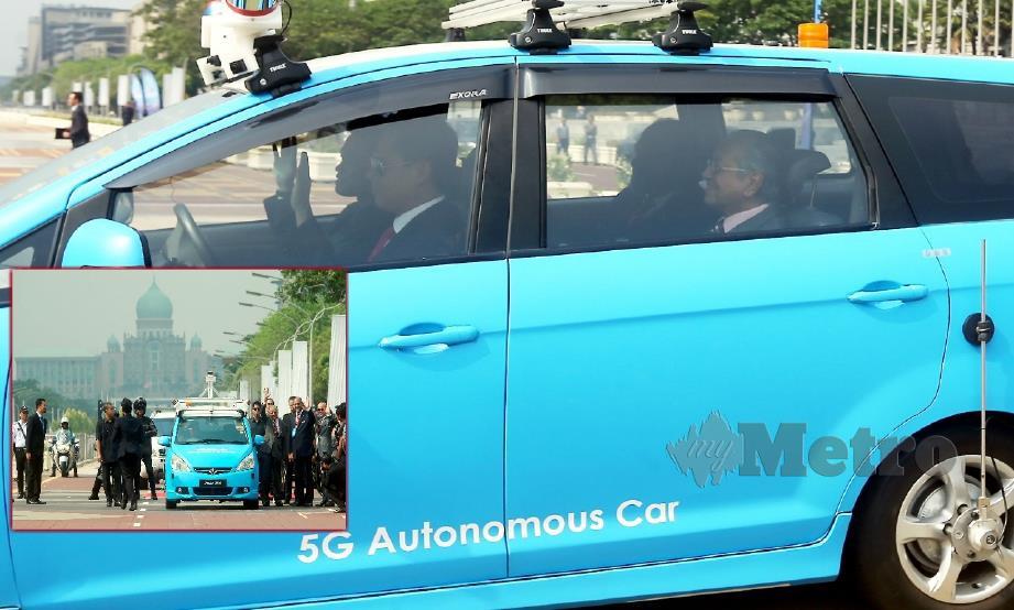 Tun M rasai pengalaman naiki kereta 'autonomous' | Harian Metro