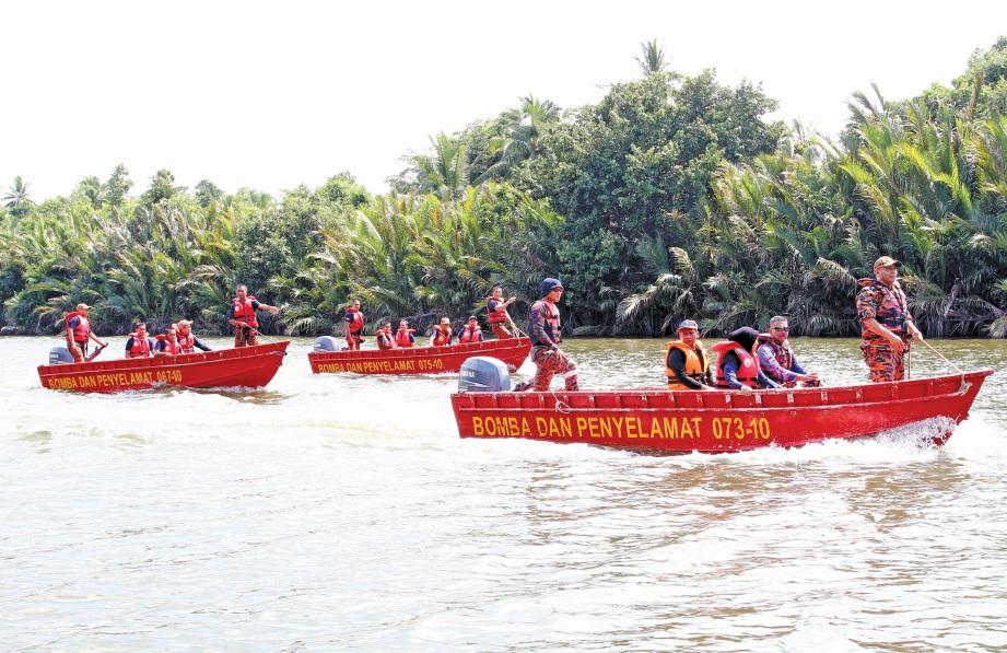 KURSUS Pengendalian Pemanduan Bot Menyelamat penting dalam penugasan misi menyelamat mangsa banjir.  FOTO Nik Abdullah Nik OmarLAH NIK OMAR