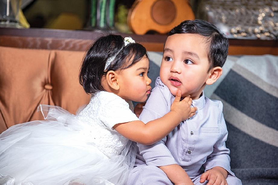KELETAH Arif dan Aafiyah menarik perhatian.