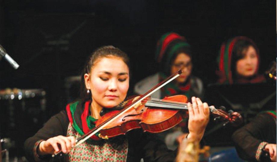 ZARIFA yakin masyarakat Afghanistan akan terima muzik.