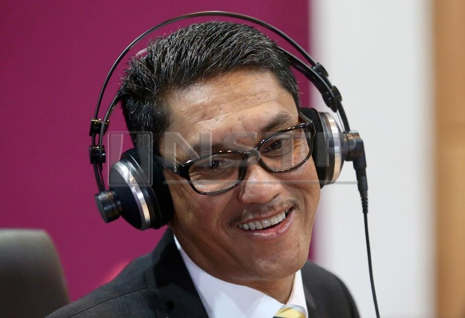 AHMAD Faizal  pada sidang media selepas menjadi deejay jemputan di konti radio Perakfm. FOTO/NSTP