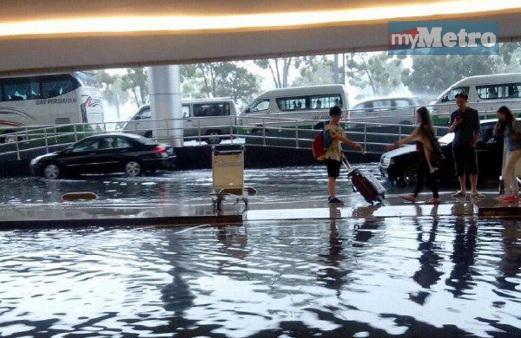 Penerbangan ditangguhkan ekoran banjir