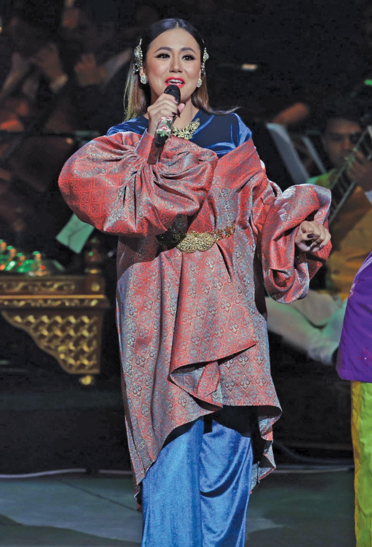 ASMIDAR ketika  membuat persembahan di Konsert Visit Malaysia 2020 di Panggung Sari, Istana Budaya, Januari lalu.