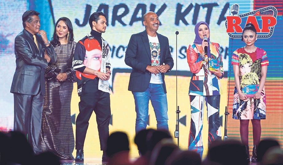 SHEILA memberikan ucapan selepas Dekatkan Jarak Kita diumumkan memenangi kategori Drama Pilihan.