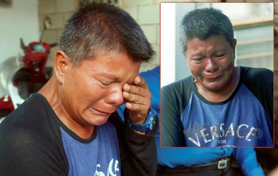 A BAKAR tidak dapat menahan sebak berikutan tular tidak benar mendakwa kematian Marini akibat pencemaran Sungai Kim Kim ketika ditemui media di Pasir Gudang, hari ini. FOTO HAIRUL ANUAR RAHIM