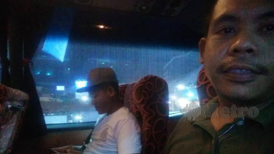 Nur Azmi kecewa terhadap tindakan sikap pemandu bas ekspres yang dinaikinya. FOTO Nur Azmi Arif Sait