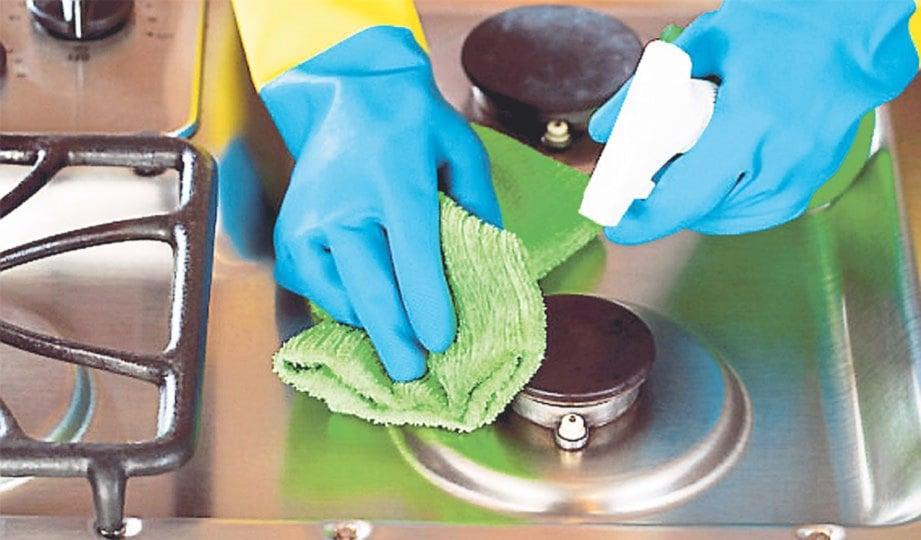 KAEDAH pembersihan yang betul membuatkan ruang dapur anda sentiasa segar.