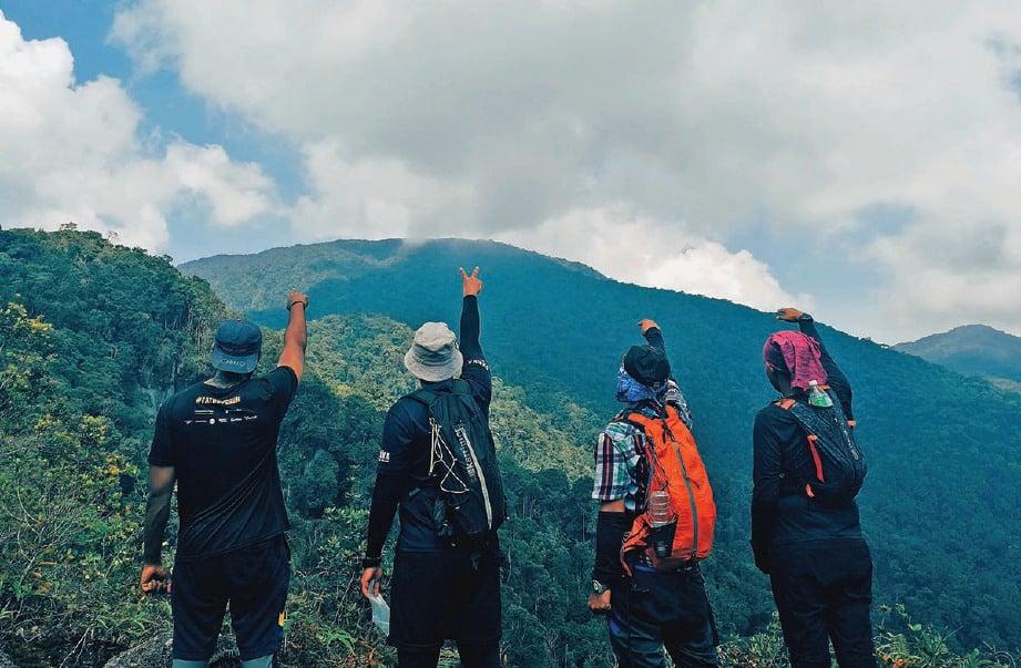 ANTARA panorama yang menarik di Puncak View.