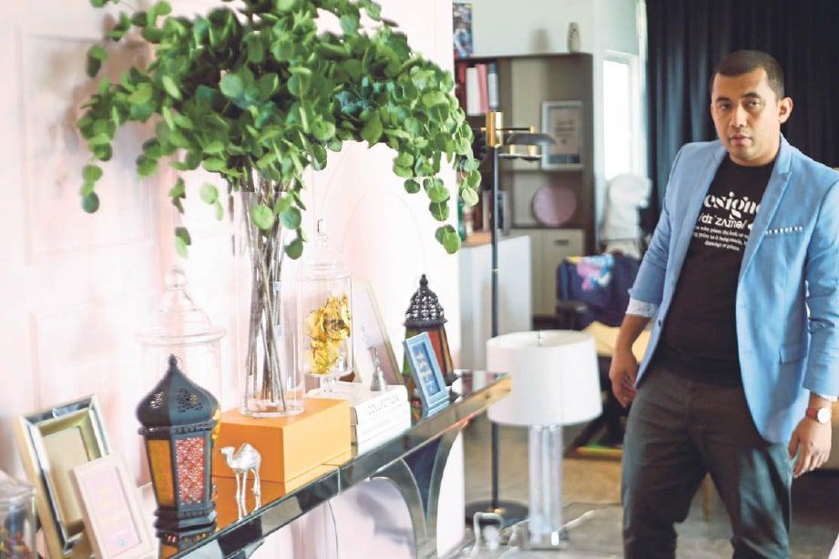 PALING tinggi diletakkan pada tengah meja konsol. FOTO Supian Ahmad