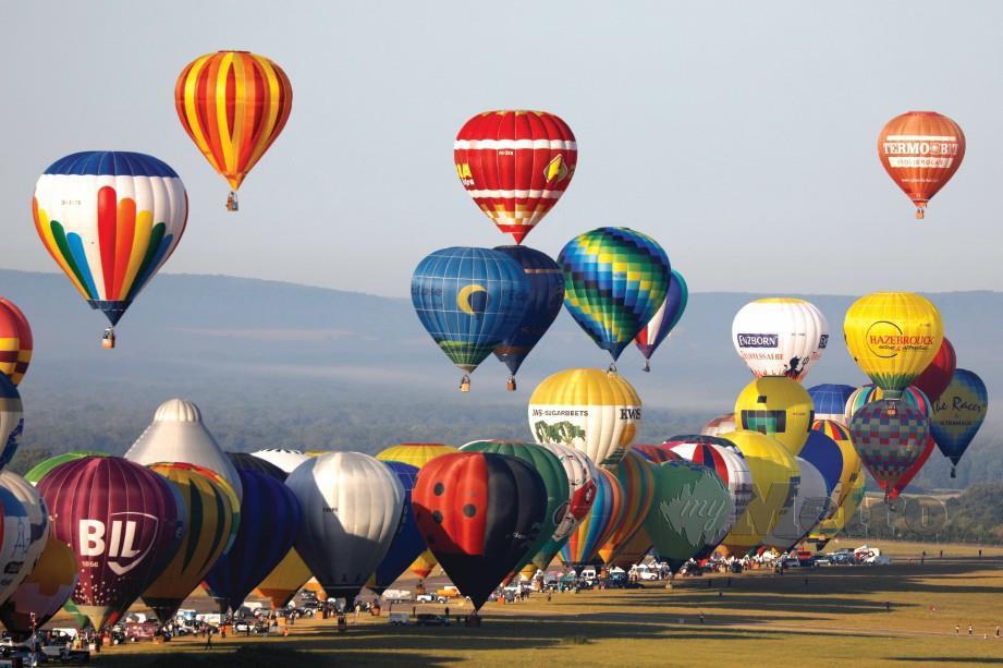 GRAND Est Mondial Air Balloons diadakan dua tahun sekali di Perancis sebagai antara festival terbesar dunia.