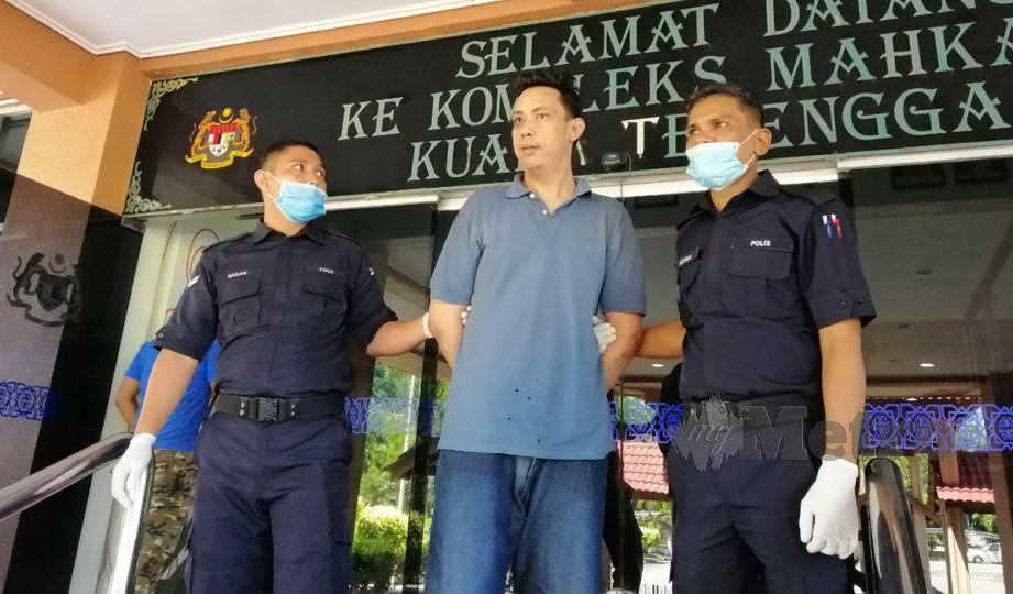 AHMAD Tarmizi didenda RM5,000 di Mahkamah Majistret Kuala Terengganu kerana menghina dan mengeluarkan kata-kata kesat terhadap polis. FOTO Zatul Iffah Zolkiply