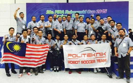 MERAIKAN kejayaan Pasukan Politeknik Malaysia.