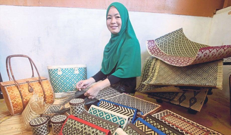 SNARTY bangga dengan pencapaiannya memajukan produk kraf tradisional Sabah.