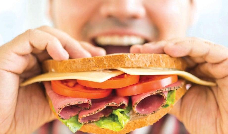 MAKANAN tidak sesuai untuk pesakit kanser semestinya produk makanan berproses atau segera.