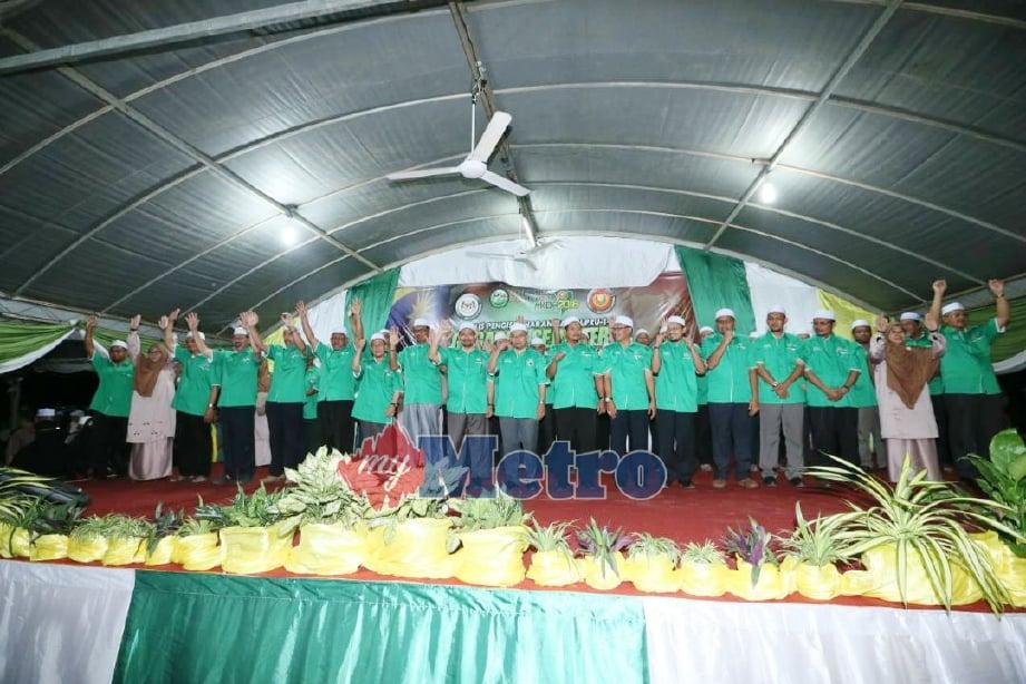 Barisan calon PAS Kedah yang bertekad mahu merampas negeri itu pada PRU-14. FOTO Amran Hamid