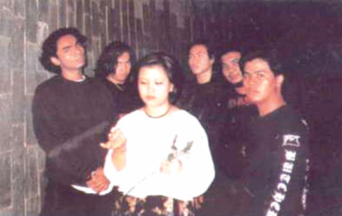 CASTIGATE pernah ucapkan selamat tinggal kepada bidang muzik pada 2001.