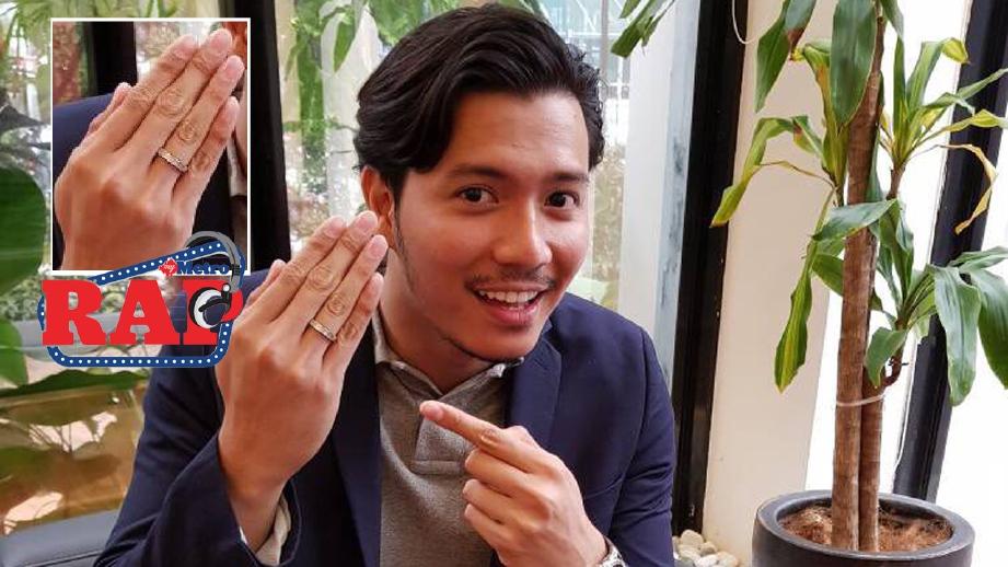Fattah menunjukkan cincin pernikahannya malam tadi. FOTO HM
