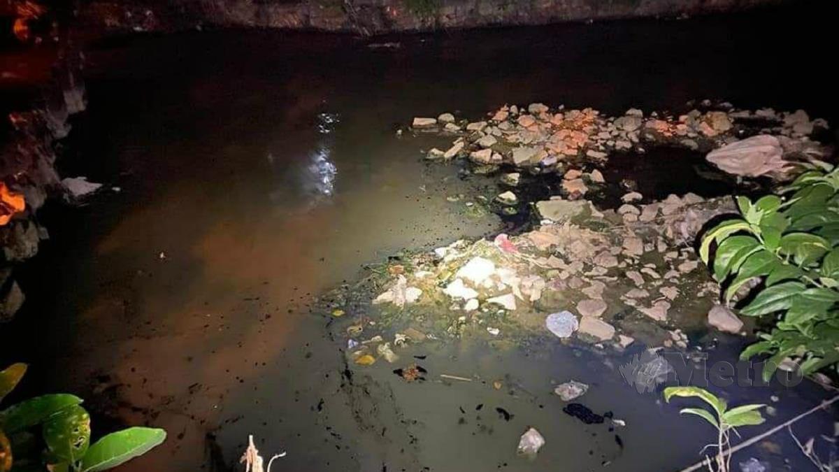 PENCEMARAN air di Jalan KB 1/10 Kampung Baru Balakong, Balakong, Kajang. FOTO Ihsan Polis