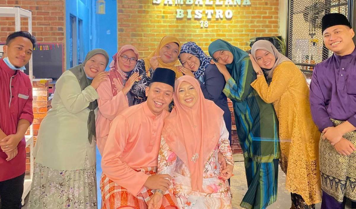 UMUR tidak menghalang Akmal dan Suzana mengikat tali perkahwinan. FOTO Ihsan Akmal Yusof