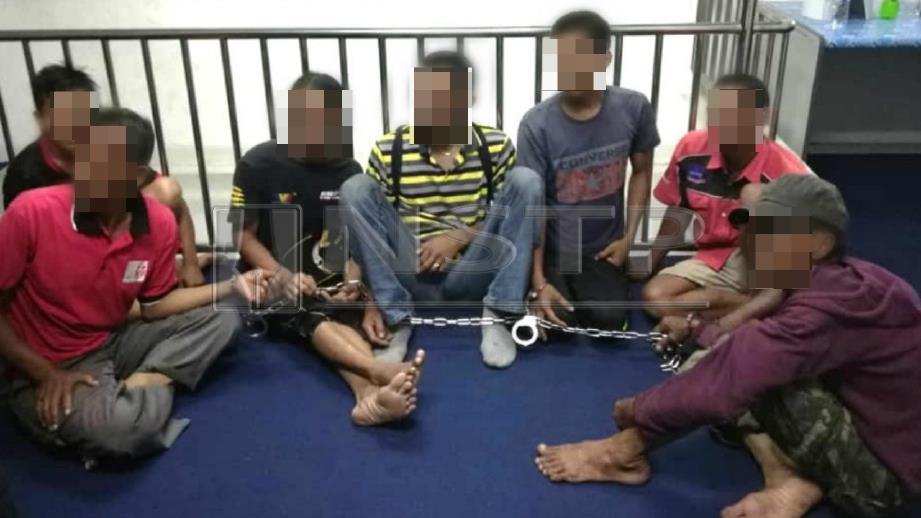 Antara penagih dadah yang dibawa ke pejabat AADK Sabak Bernam. FOTO Ihsan AADK