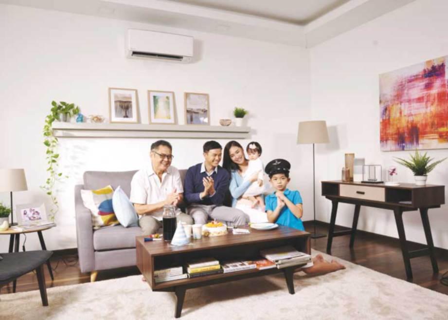 PENGGUNAAN penyaman udara pintar menyenangkan ahli keluarga.