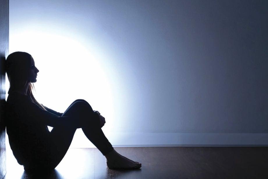 GOLONGAN yang mempunyai masalah kesihatan mental perlu dibantu dan bukan terus dipersalahkan. - FOTO Google