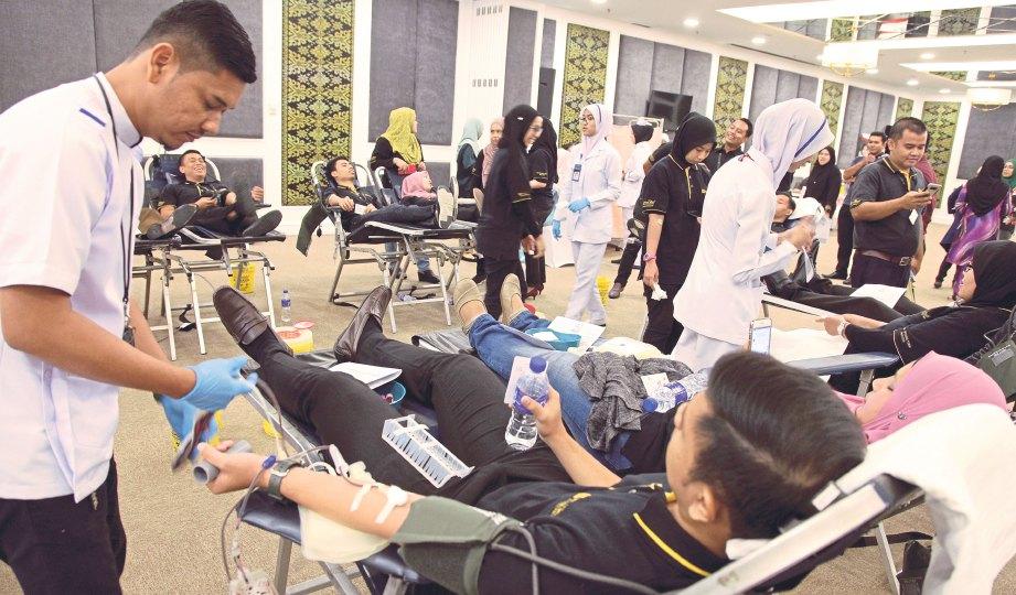 RAMAI datang ke program Derma Darah anjuran Widad Royal Residence UTMKL.