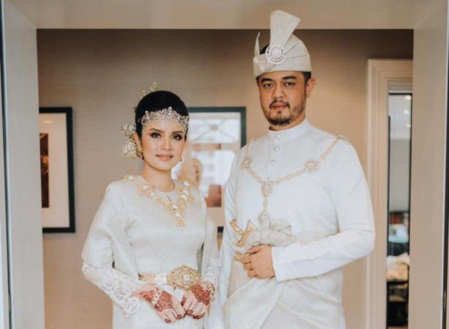 NISHA dan suami selepas majlis pernikahan.