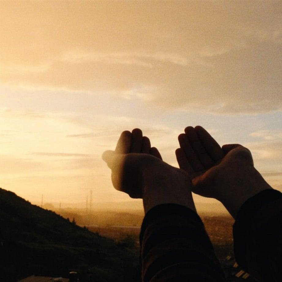 BERDOALAH kepada Allah supaya dijauhkan bala bencana dan wabak penyakit.