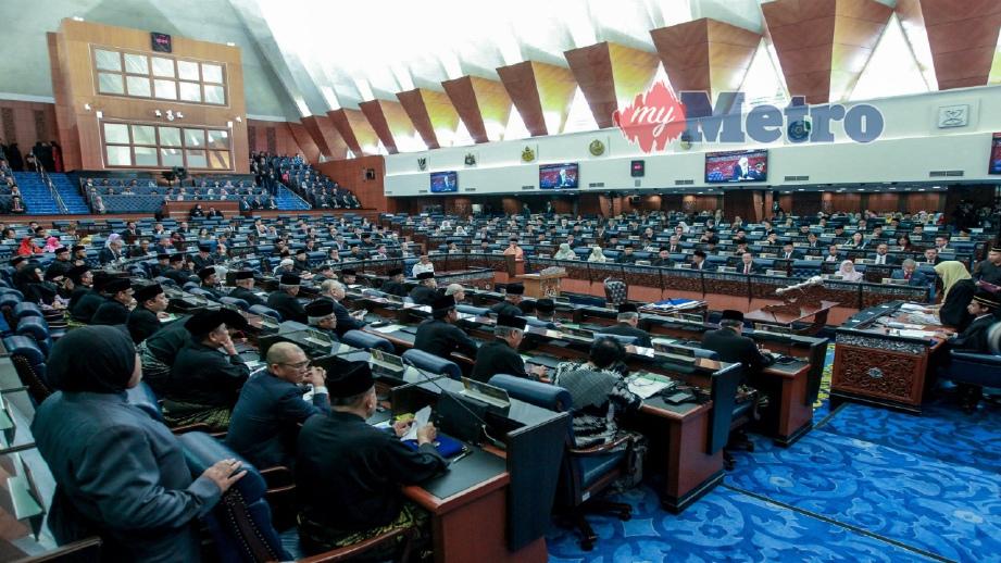 SUASANA di dalam Dewan Rakyat, Kuala Lumpur, hari ini. FOTO Asyraf Hamzah