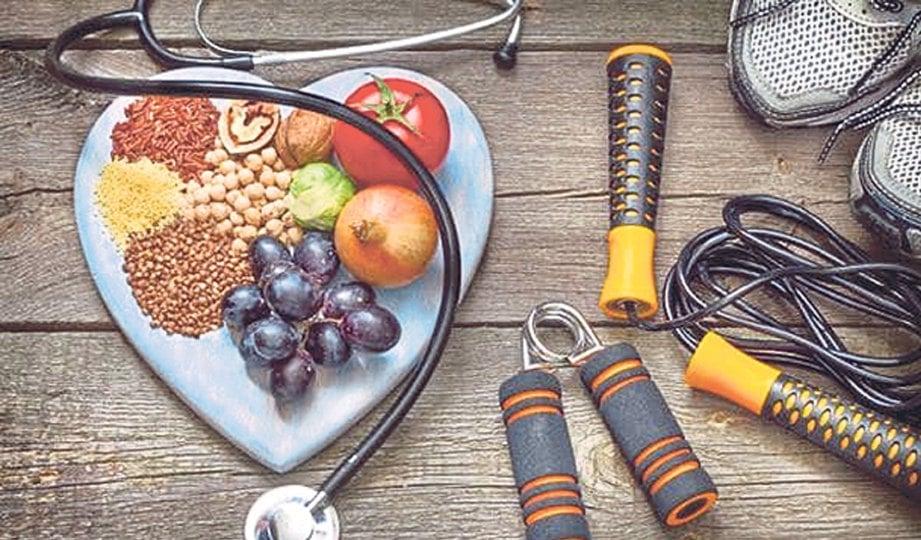 PEMAKANAN sihat bantu mengurangkan risiko.