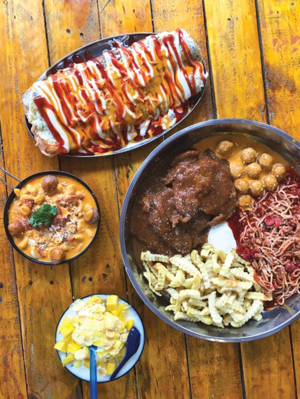 PELBAGAI menu diketengahkan di The Rack Boutique Cafe adalah hasil resipi dan sentuhan Ainul Huda.