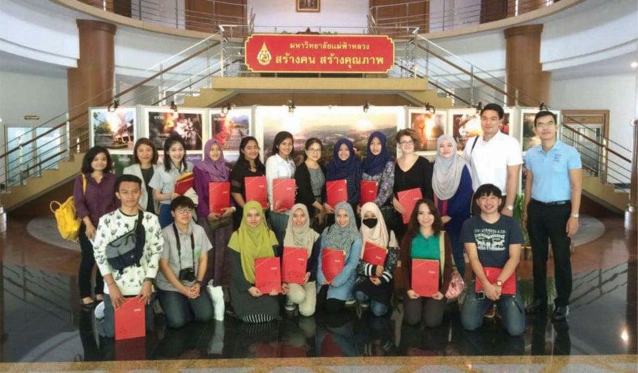 SEBAHAGIAN peserta Program Mobiliti Ke Maejo University Chiang Mai bergambar kenangan.