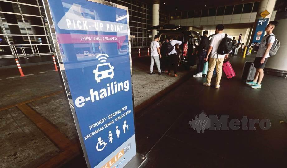 PEMANDU e-hailing menguasai 90% perkhidmatan pengangkutan awam darat di Malaysia terjejas susulan penularan pandemik Covid-19. FOTO Arkib NSTP