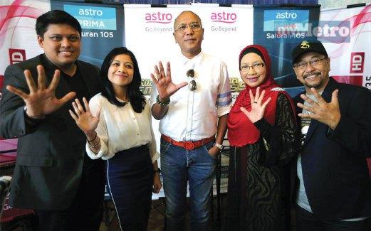 NAMANZEE, Penolong Naib Presiden Pengurus Saluran Astro Prima Farah Zainul, Hattan, Siti Hajar dan Ayai.