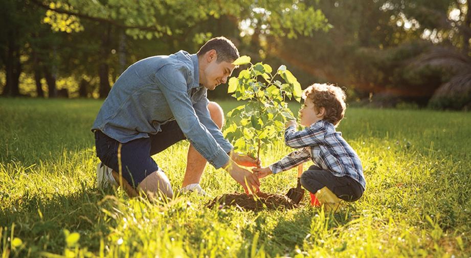 DIDIK anak untuk peduli mengenai hidupan lain dan alam sekitar.