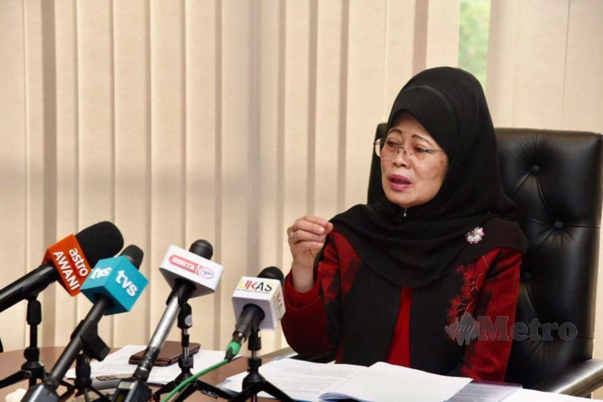 FATIMAH pada sidang media mengenai pembukaan taska dan tadika Sarawak hari ini. FOTO MELVIN JONI