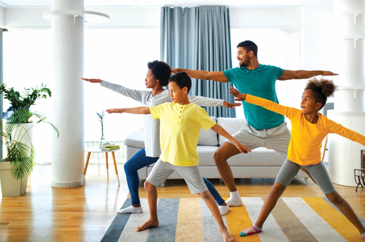 BERGERAK antara senaman yang boleh dilakukan di rumah. - FOTO Google