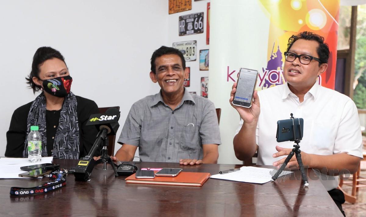 FREDDIE (tengah) bersama Khatijah (kiri), dan Mohd Rafi ketika sidang media Persatuan Karyawan Berhubung Isu Royalti Artis di Medan Setia 1, Damansara Heights. FOTO MOHAMAD SHAHRIL BADRI SAALI