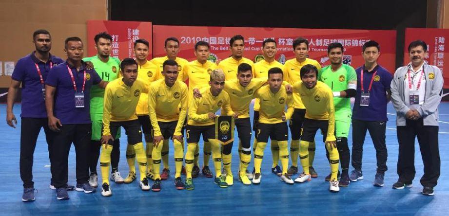 SKUAD futsal negara bergambar di Pusat Sukan Qingbaijang, Chengdu City.