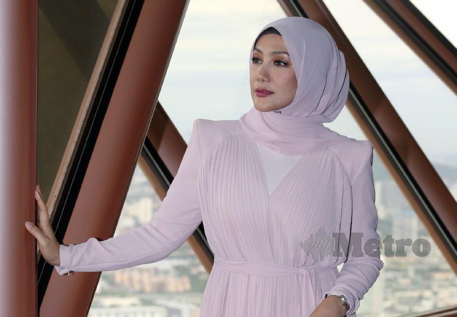 ERRA ketika majlis pelancaran duta produk FaithFleur di Menara Kuala Lumpur. FOTO HAIRUL ANUAR RAHIM
