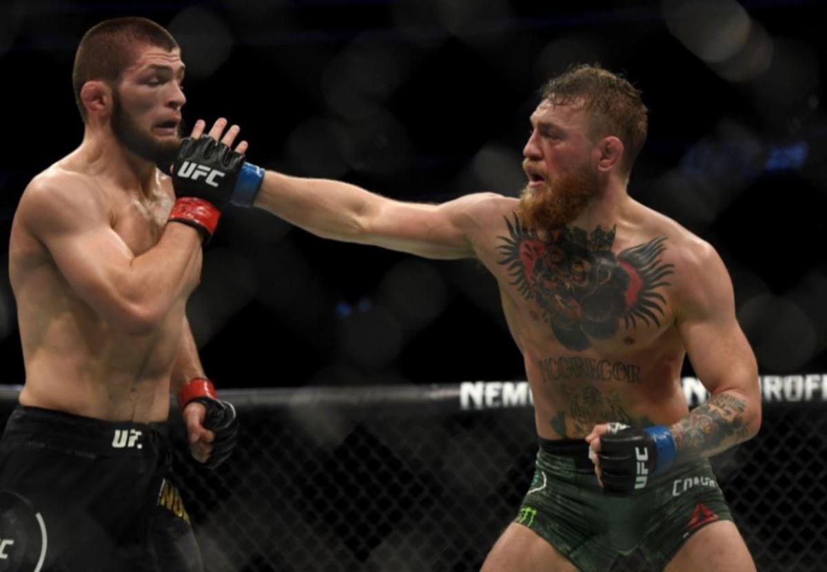 AKSI hebat antara Khabib dan McGregor pada 2018. FOTO Agensi