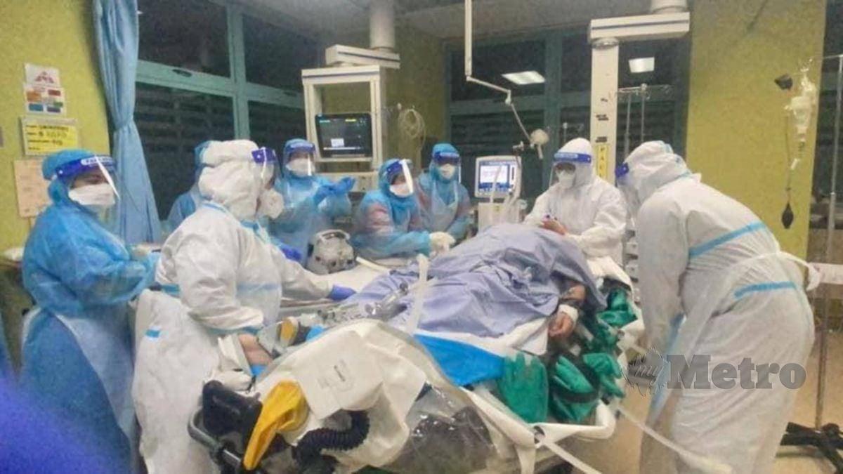 KEADAAN di ICU yang menempatkan pesakit Covid-19 semakin membimbangkan. FOTO ihsan FB Tan Sri Dr Noor Hisham Abdullah