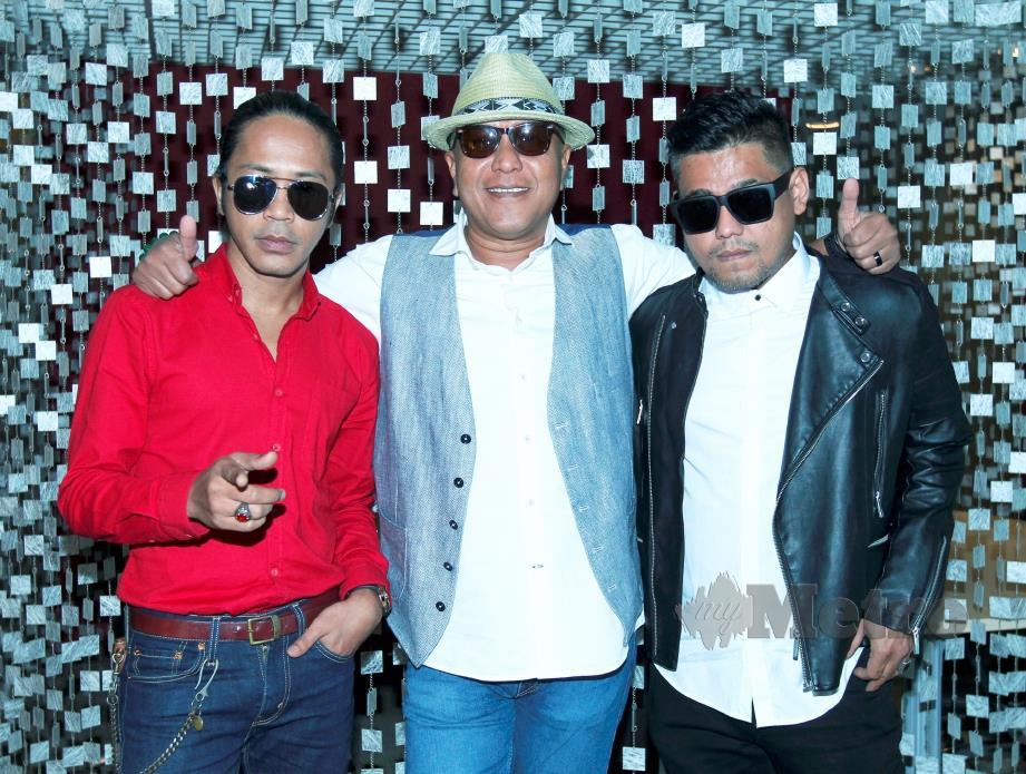 HATTAN (tengah), Hazama (kiri) dan Azlan Typewriter akan membuat persembahan pada konsert Rock Tri-O di Dewan Filharmonik Petronas, Kuala Lumpur City Centre pada 16 hb dan 17 November 2019. FOTO: Khairul Azhar Ahmad.