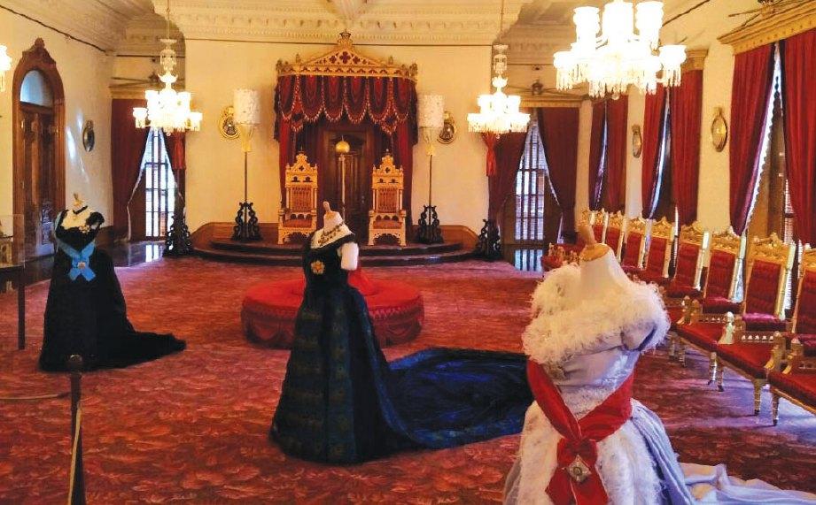RUANG dalaman Iolani Palace yang dijadikan Muzium Diraja Hawaii.